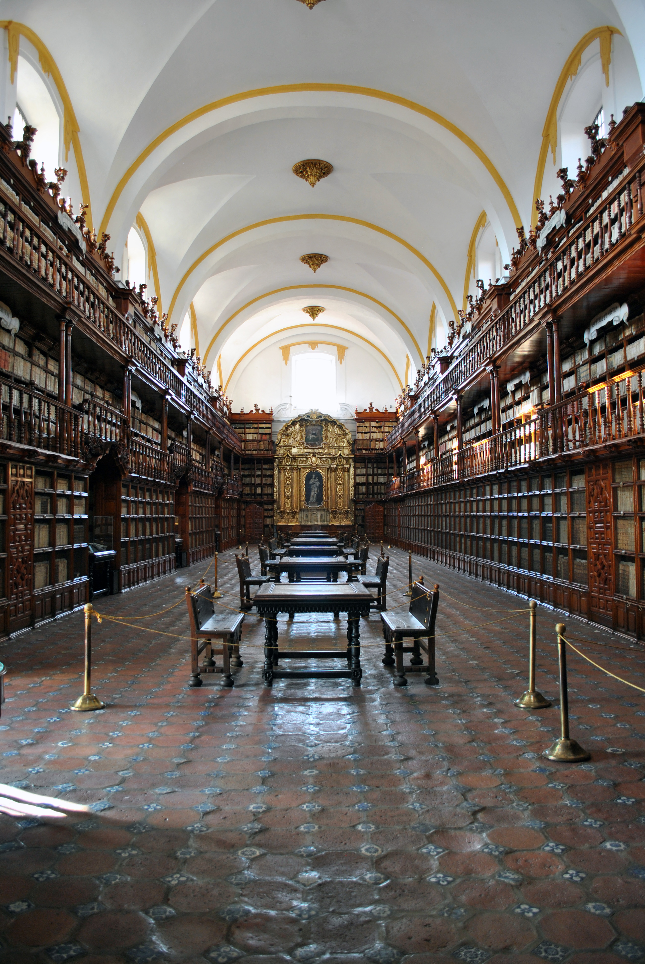 Biblioteca Palafoxiana en el centro de Puebla